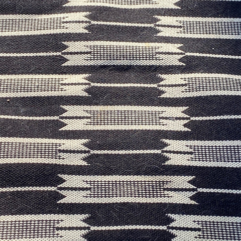 Jutland Black and White Arrow Woven Rug 4' x 6'