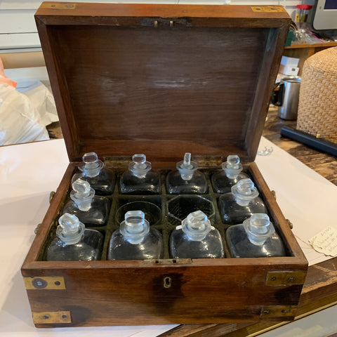 Campaign Box with Bottles and Glasses