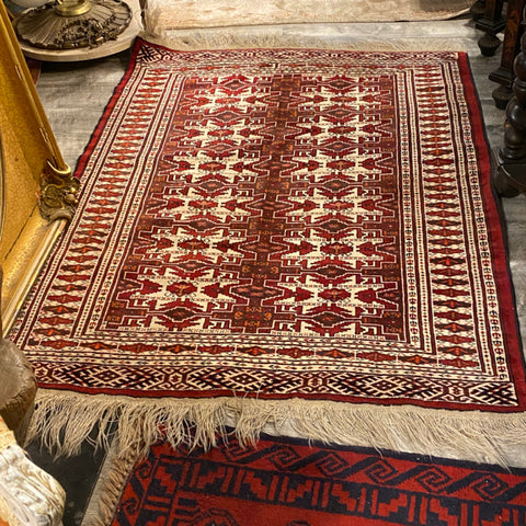 "Red & Ivory Diamond Pattern Rug with Long Fringe 3'9"" x 5'8"""