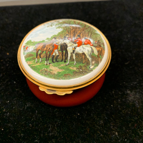 Trinket Box of Hunting Scene