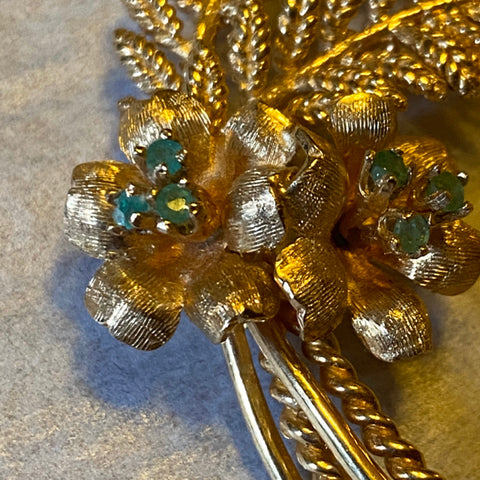 14k Emerald Leaf Pin