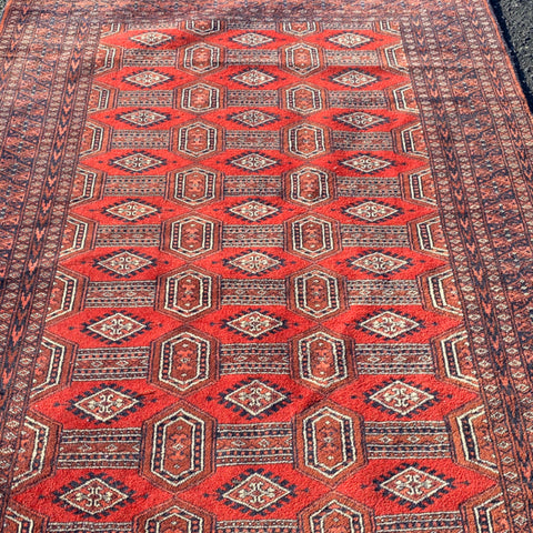 "Red Diamond & Stripe Bokara Rug 4'1"" x 6'"