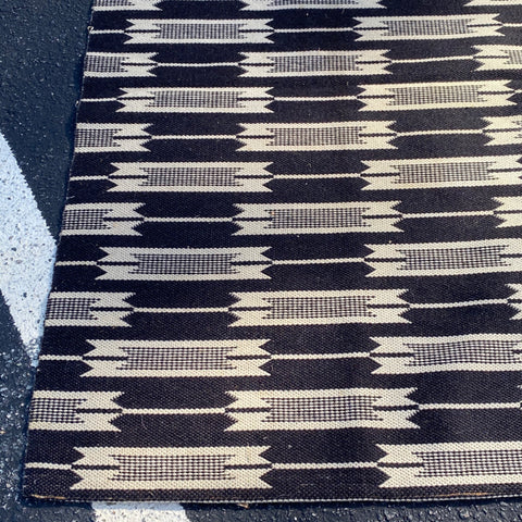 Jutland Black and White Arrow Woven Rug 6' x 9'