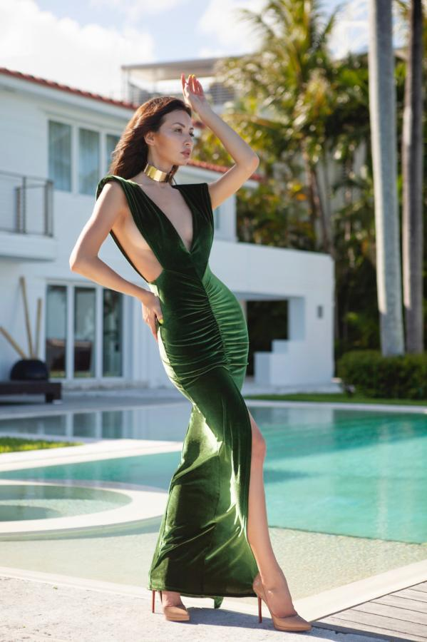 Cioccolato Melisa V-Neck High Slit Velvet Gown