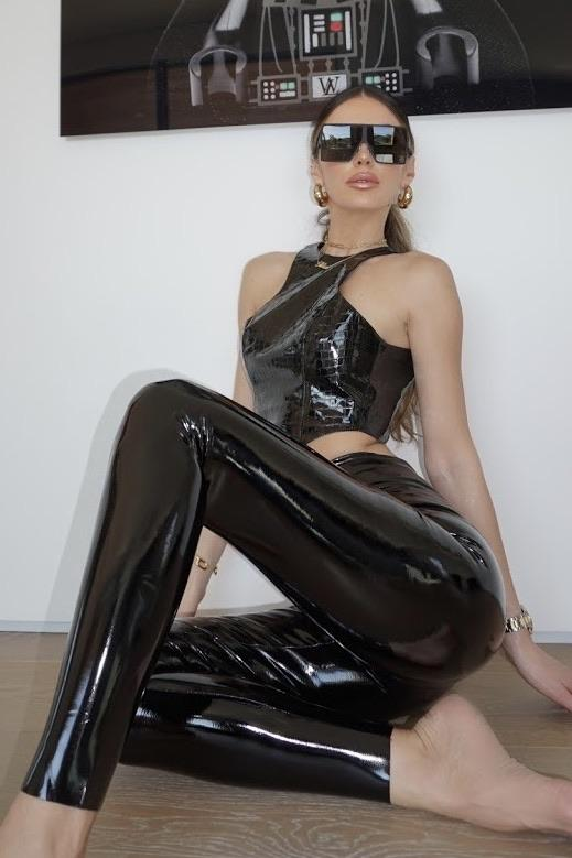 Commando Faux Patent Leather Leggings With Perfect Control