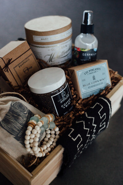 Twine & Twig Collab - Women's Holiday Gift Box