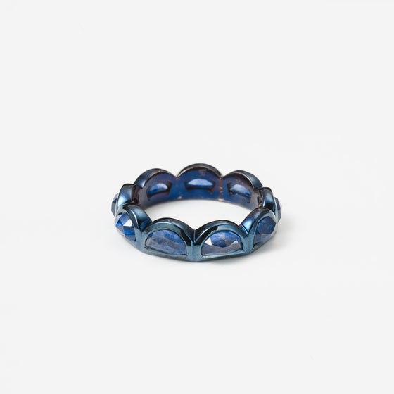 Large Scallop Band Ring - Blue Sapphire
