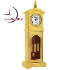 GRANDMOTHER Desk Clock (Red)