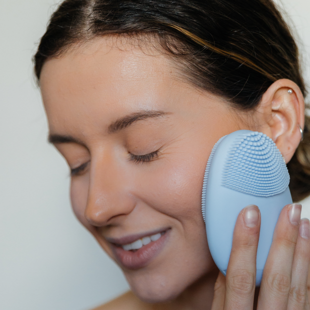 Timeless Facial Cleansing Brush