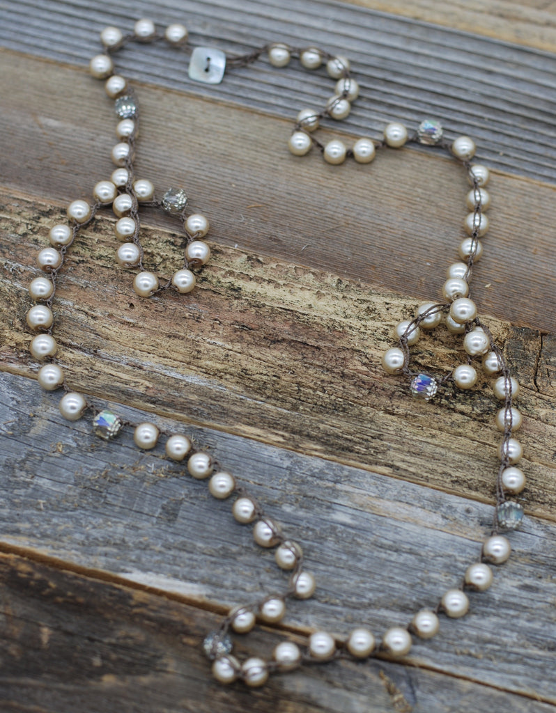 VG Basics Perfect Pearl Statement Necklace