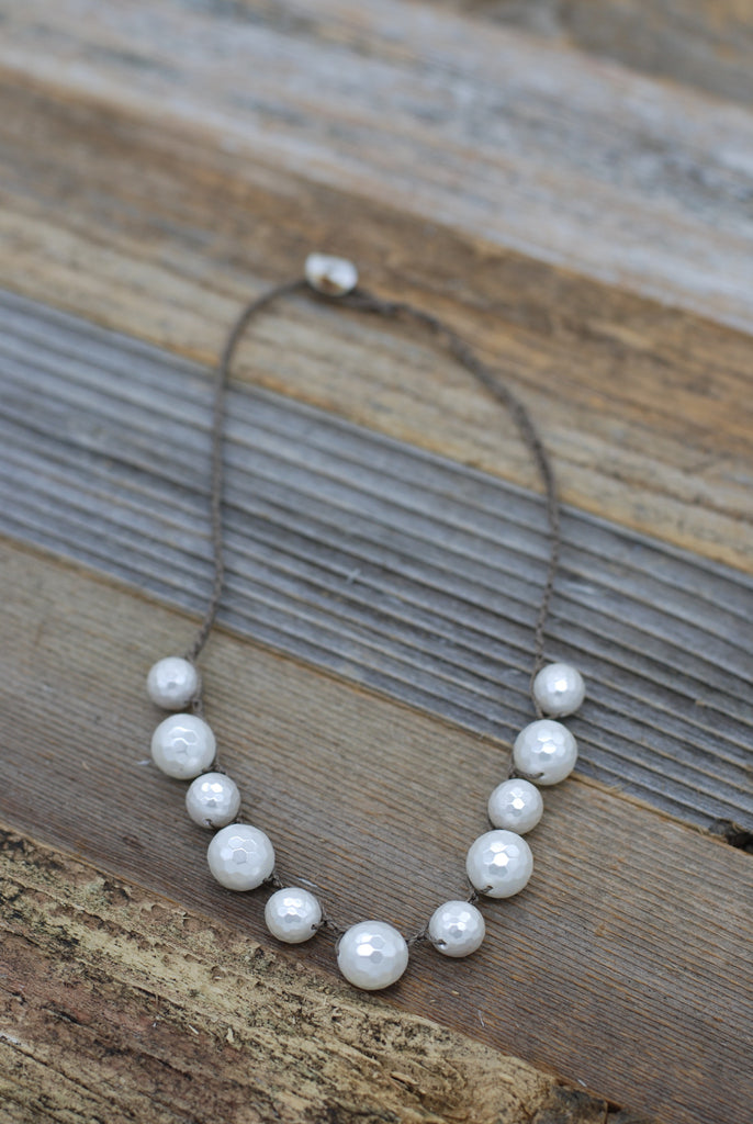 VG Basics Faceted Pearl Bauble