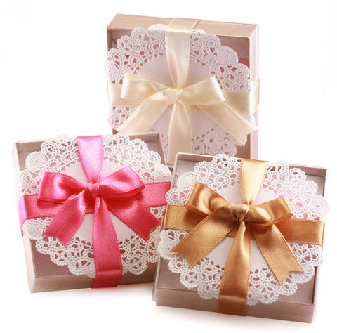 Tiny Hands complimentary gift boxes. A treat for everyone!