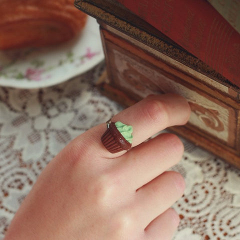 Scented Mint Chocolate Cupcake Ring - Tiny Hands  - 2