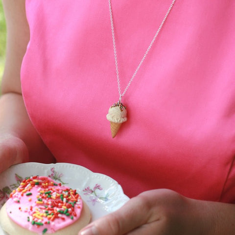 Scented Vanilla Ice-Cream Necklace - Tiny Hands  - 2