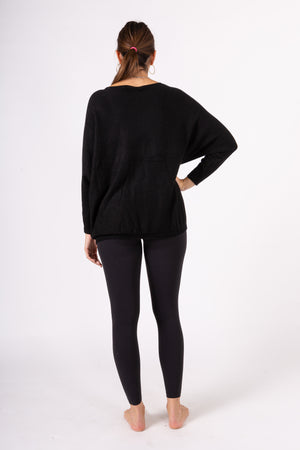 Sweater with two pockets
