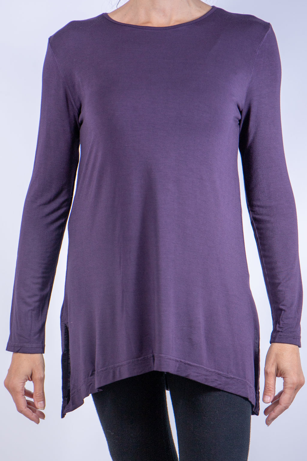 Crewneck long sleeves tunic with slit at bottom