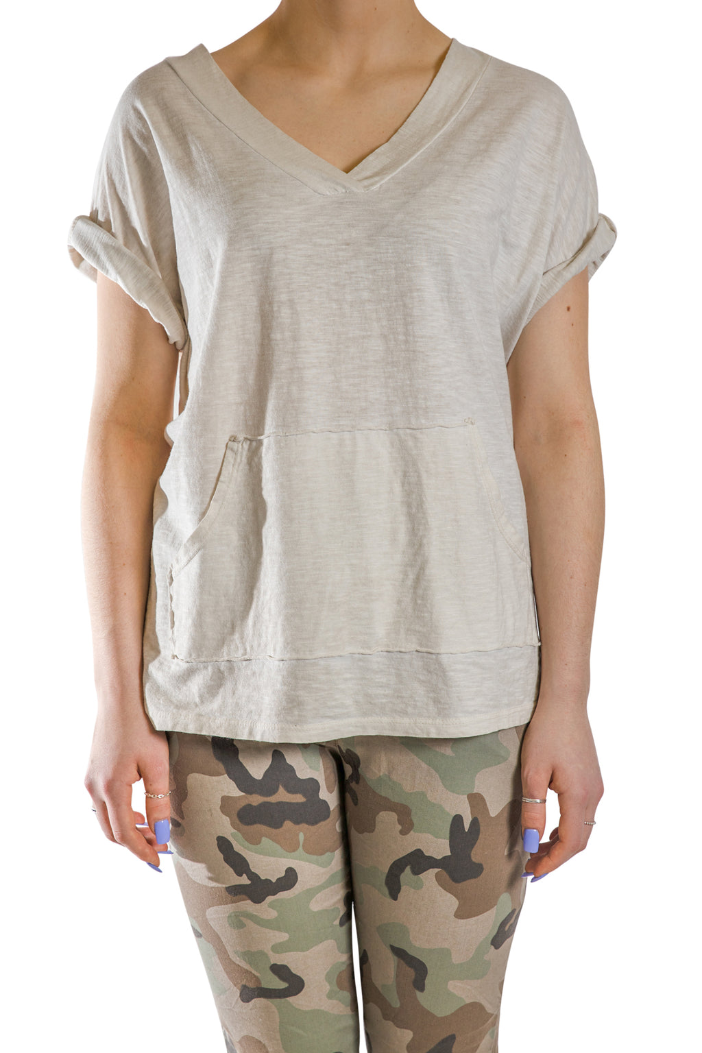 V-Neck t-shirt oversize with kangaroo pockets