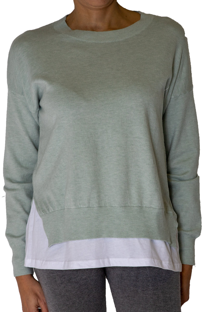 Long sleeves top with bottom t-shirt finishing