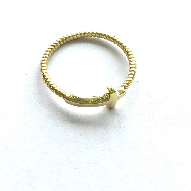 Fine Collection ring - gold plated twisted band with flat cross