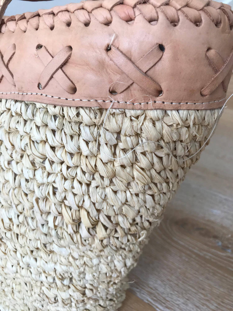 Rattan Bag- With Tassel and flat Base