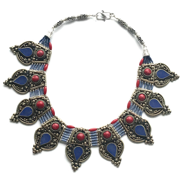Costume Necklace - Necklace lapis lazuli and red coral dagger