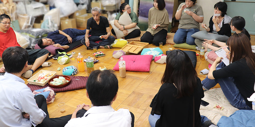 "First ""Kutsurogi(relaxing) PetchaKucha night"": 9/26"