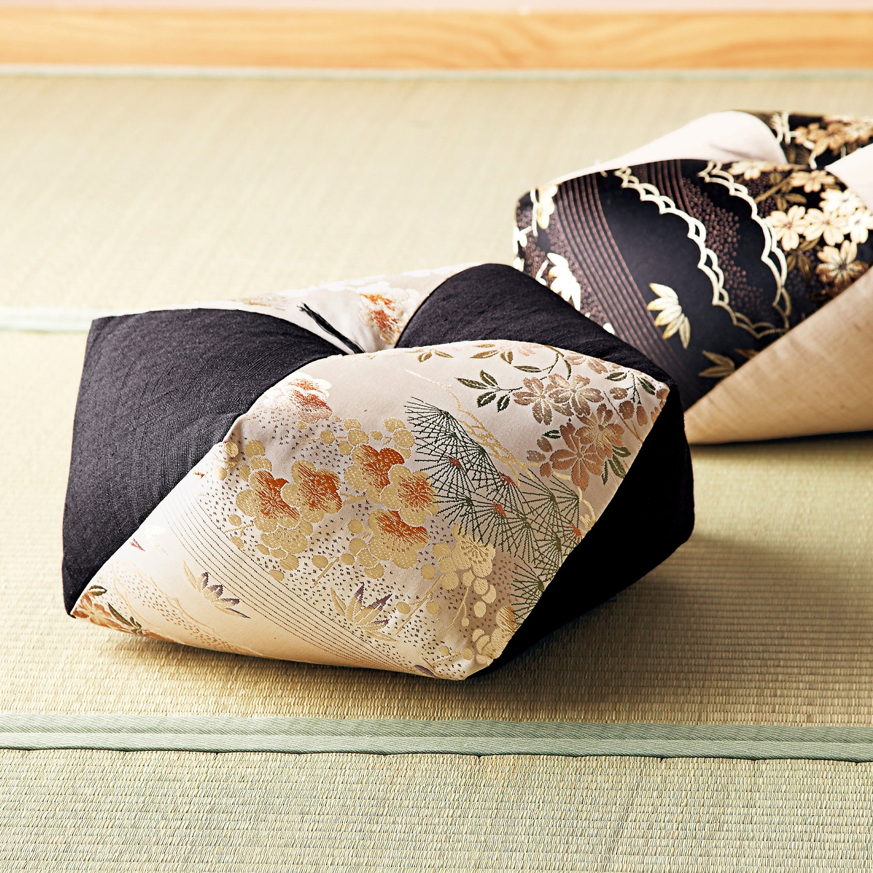 "Ojami Cushion - ""Kimono Obi Belt"" (Set of 2 Cushions) - Takaokaya"