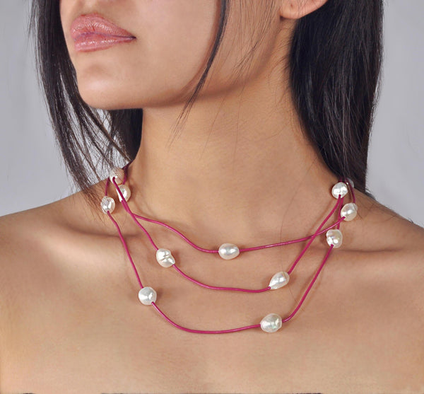 "Necklace and short bracelet ""Boheme"" Raspberry leather - Snow"