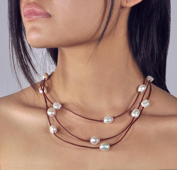 "Necklace and bracelet ""Boheme"" chocolate leather - Snow"