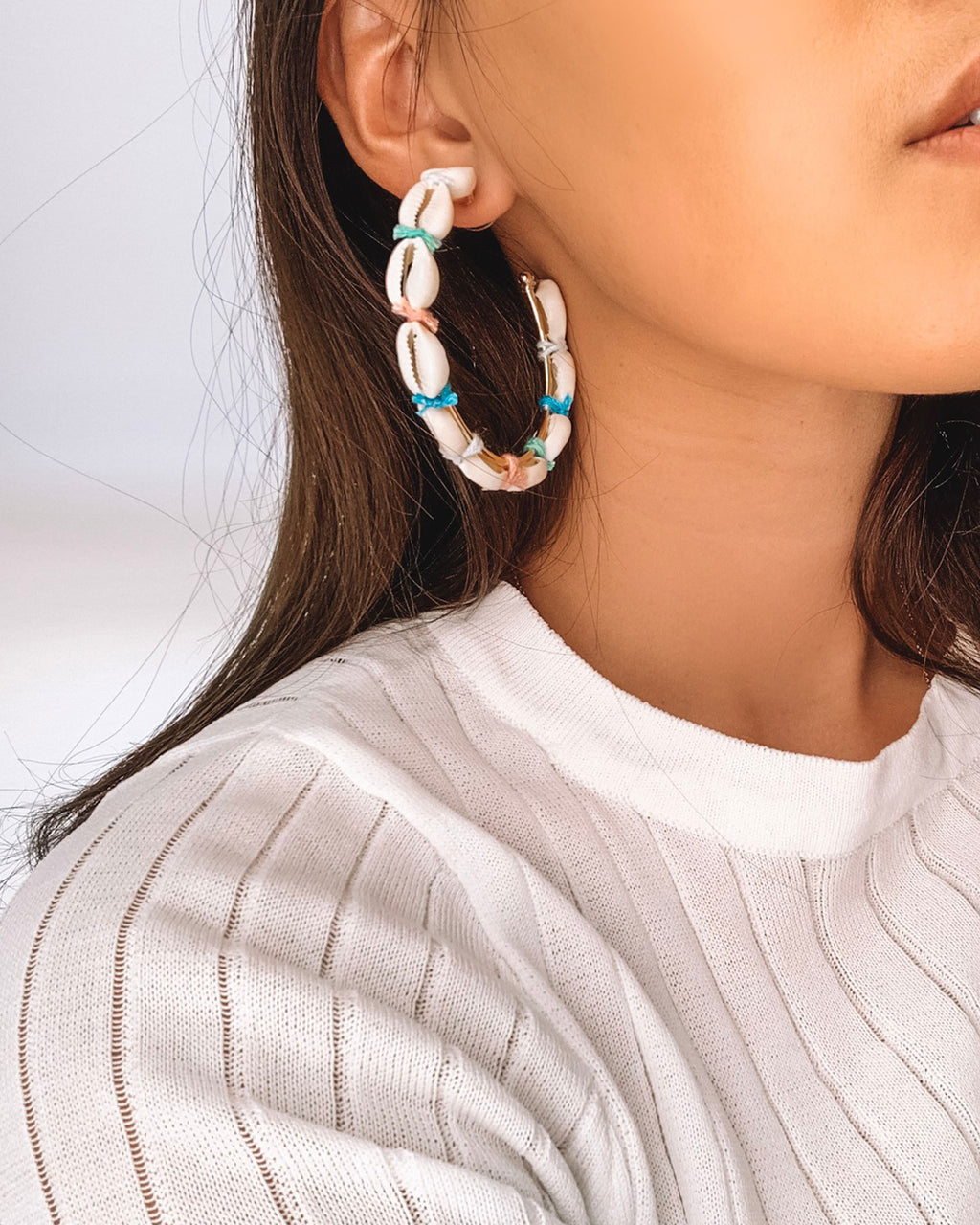 Izoa Curiosity Hoop Earrings White