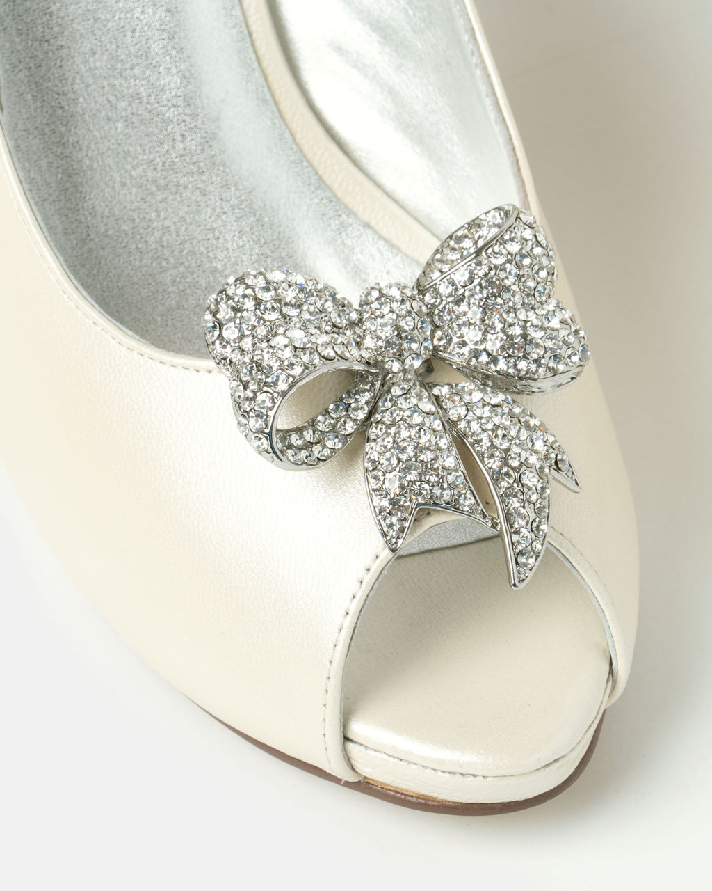 Izoa Bow Shoe Clips Silver Clear