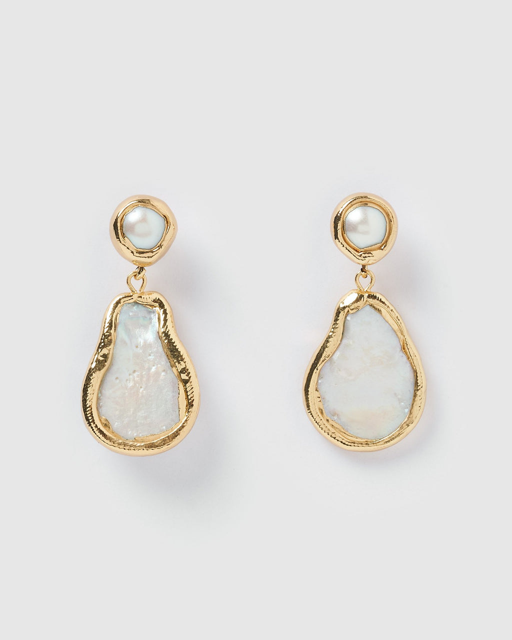 Miz Casa & Co Amberly Earrings Gold Iridescent Pearl