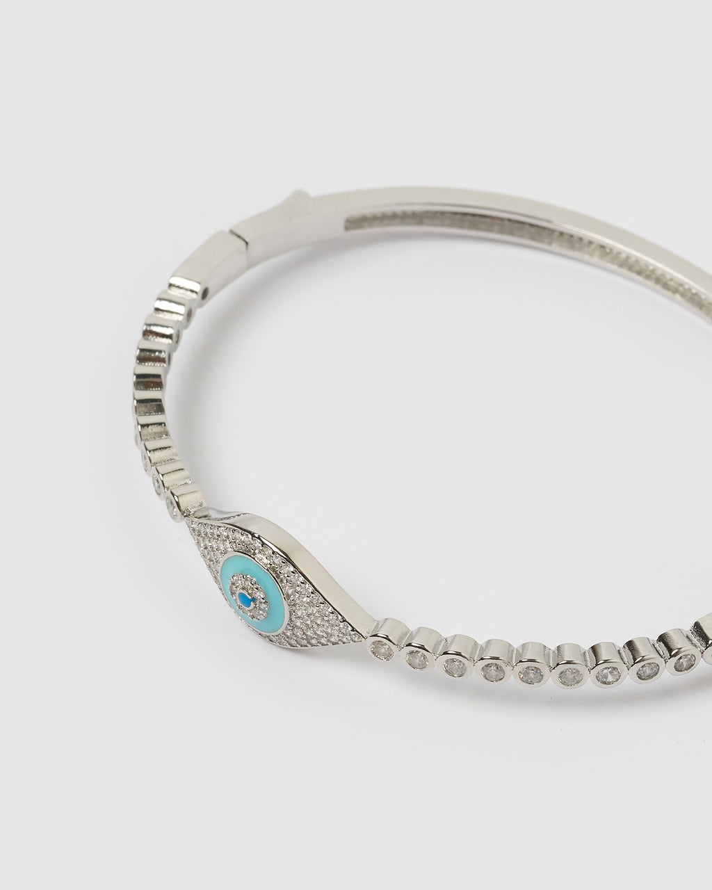 Izoa King Blue Eye Embellished Cuff Silver