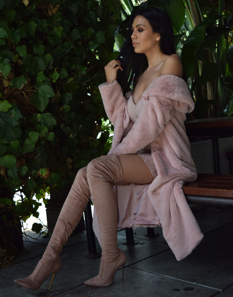 Izoa Blush with Rose Gold Blushing Bee Boot
