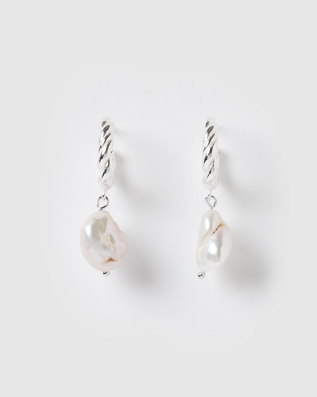 Izoa Darling Earrings Silver Freshwater Pearl