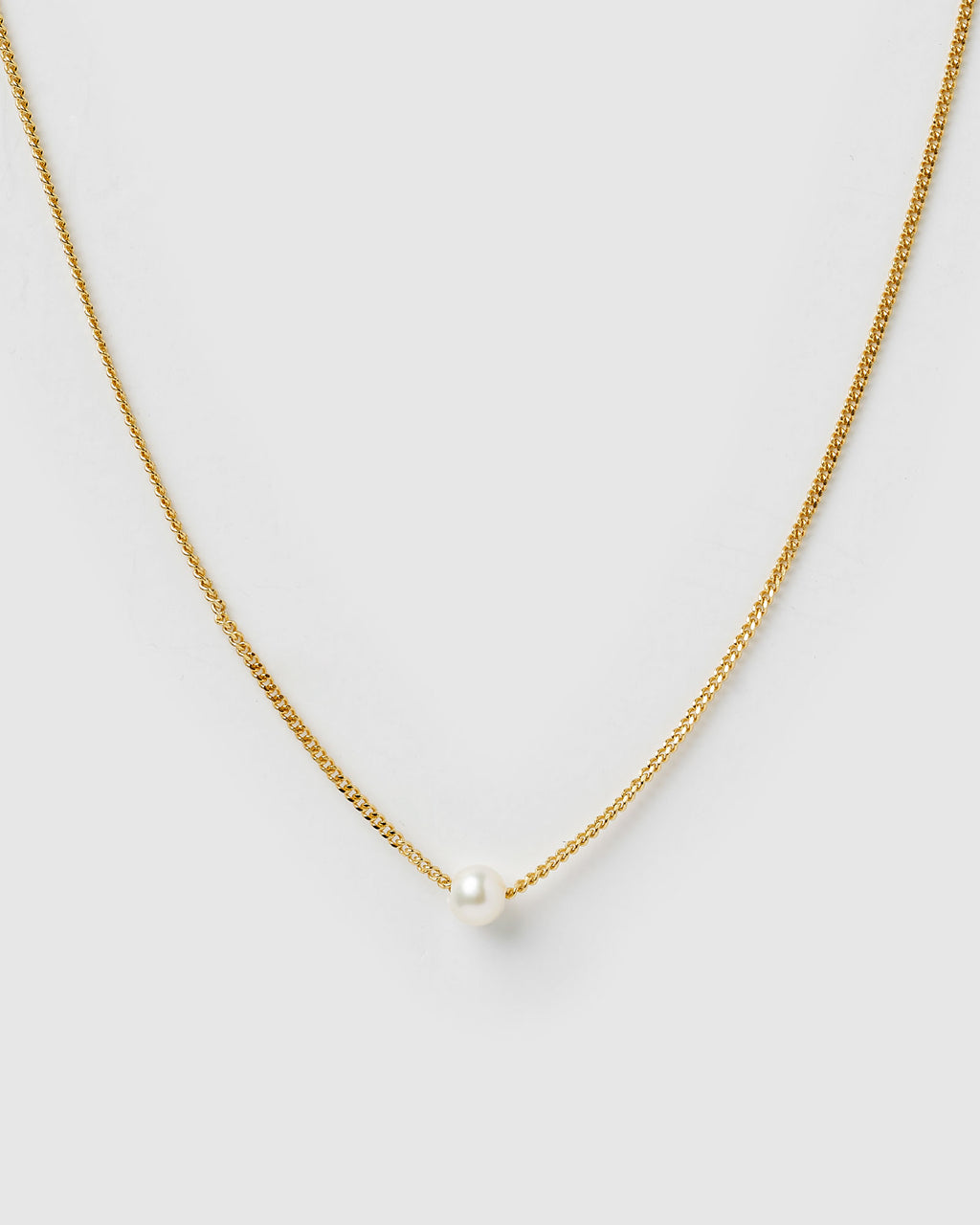 Izoa Delicate Freshwater Pearl Necklace Gold