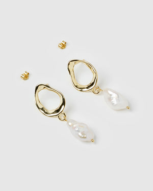 Izoa Forbidden Earrings Gold Freshwater Pearl