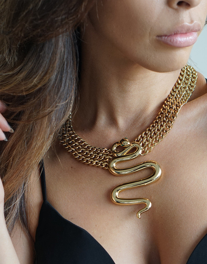 Izoa Gwen Chain Snake Necklace Gold