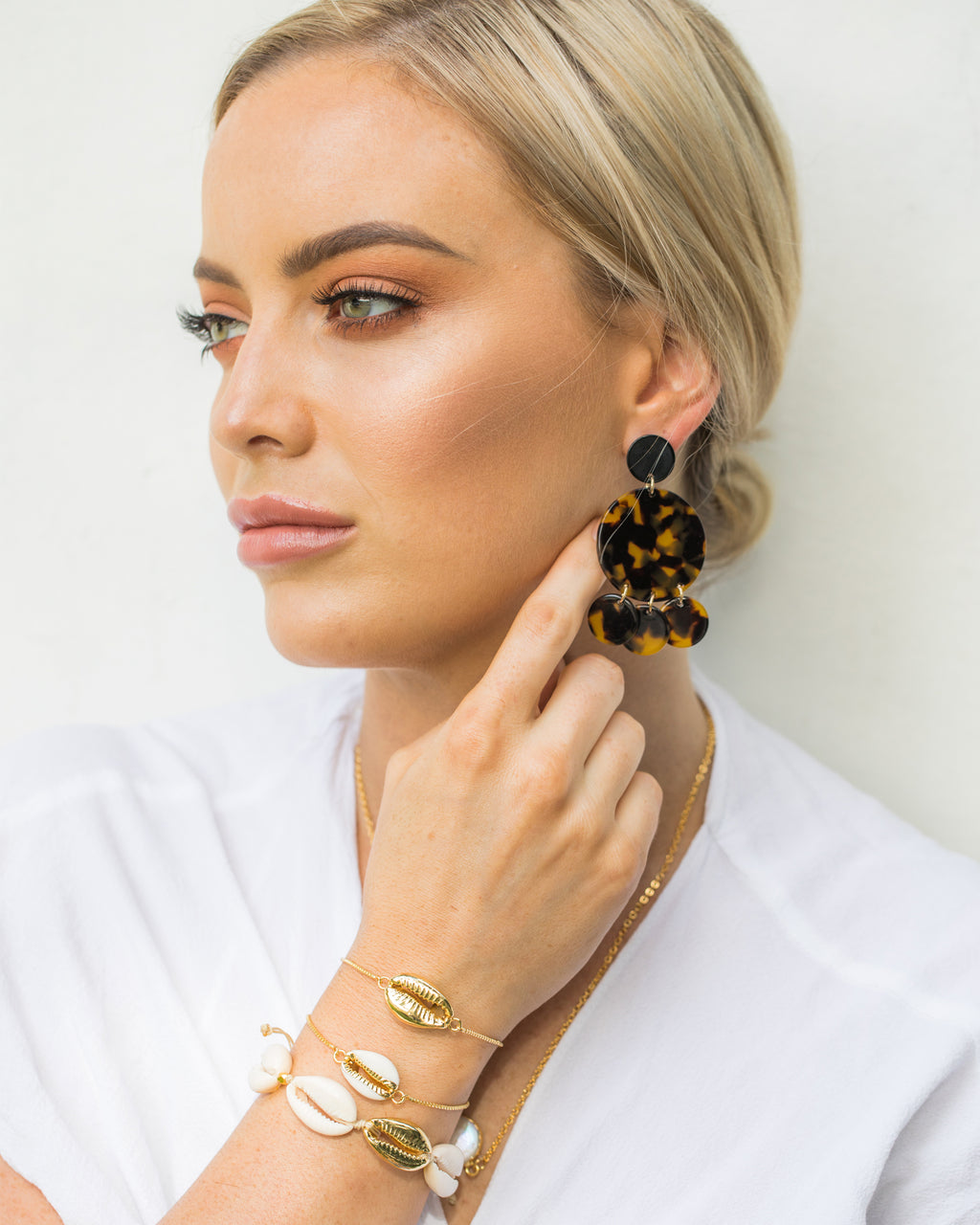 Izoa Helios Earrings Tortoise Shell