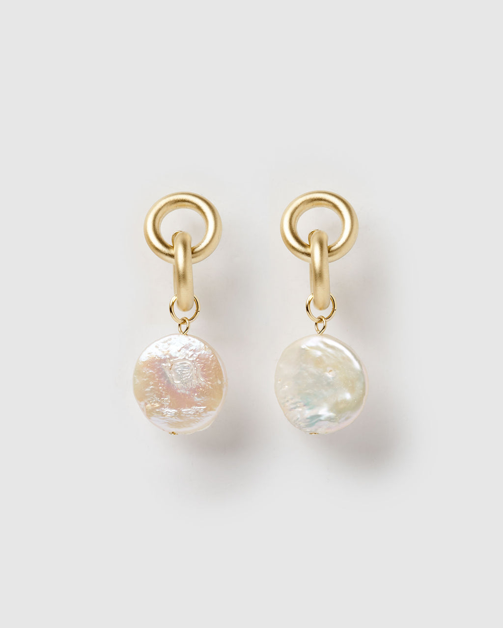 Izoa Juno Earrings Gold Freshwater Pearl