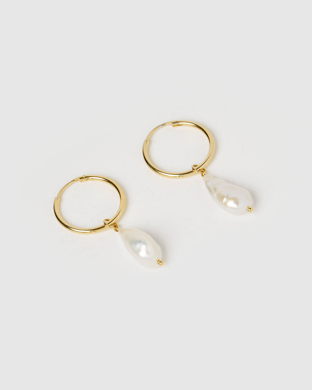 Izoa Swan Song Earrings Gold Freshwater Pearl