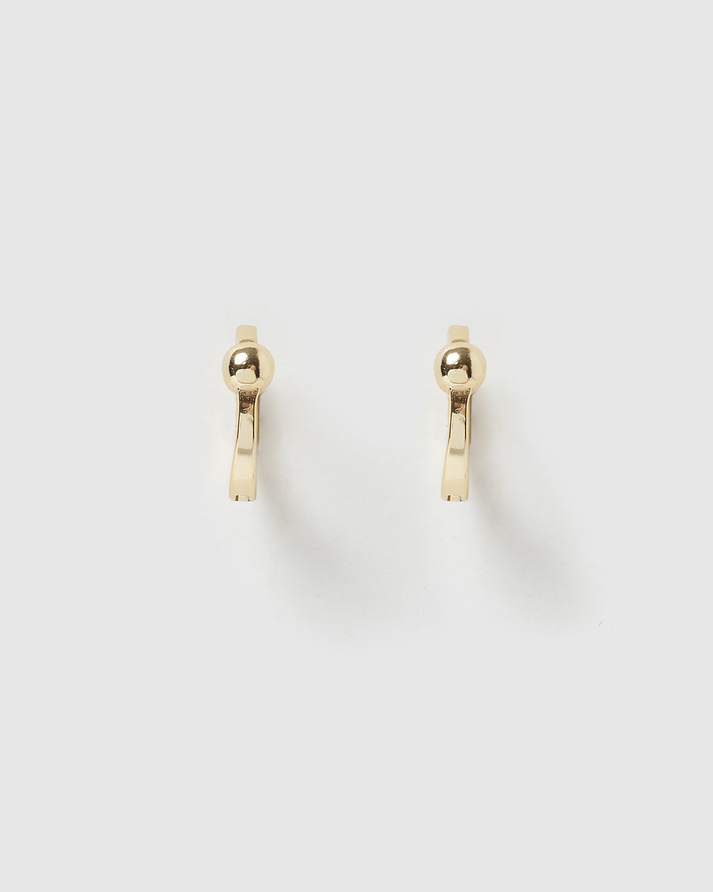 Izoa Sophie Huggie Earrings Gold