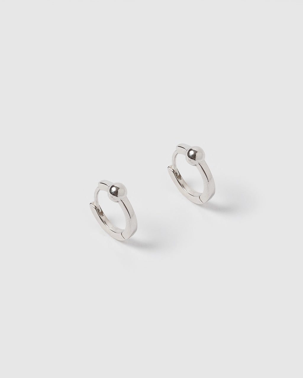 Izoa Sophie Huggie Earrings Silver
