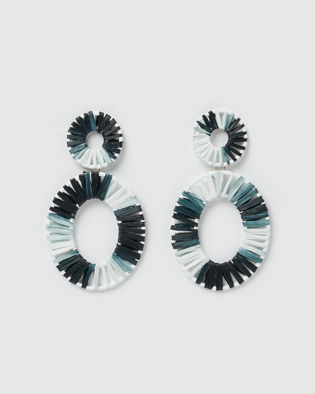 Izoa True Spirit Earrings Black White