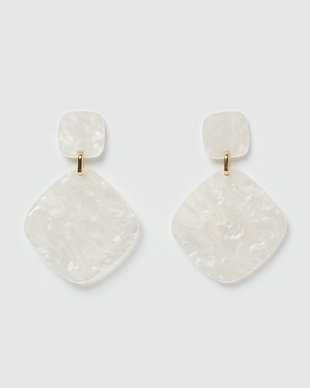 Izoa World Wide Earrings White