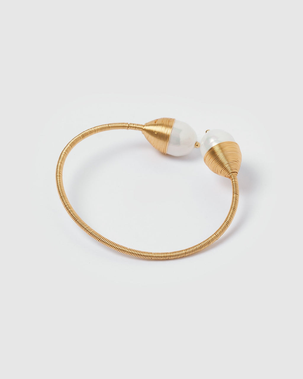 Miz Casa & Co Yara Wire Cuff With Freshwater Pearls Gold