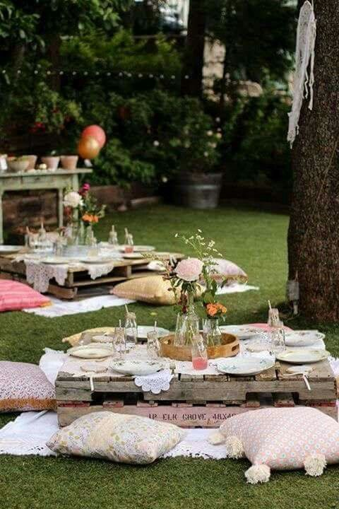 Garden party tips for laying the perfect table