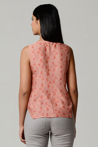 Angular Lines Top