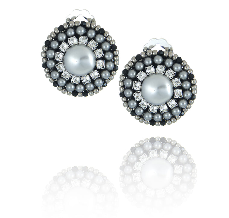 Melanie Single Pearl Earrings