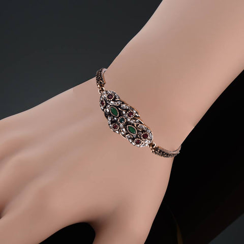 Ladies Stylish Italian Hand Bracelets-BE468